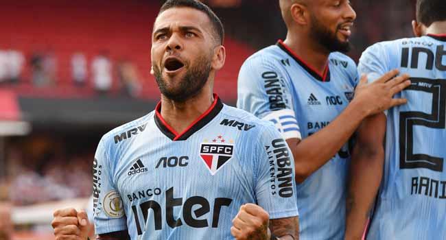 Dani Alves Scores Winning Goal On Sao Paulo Debut