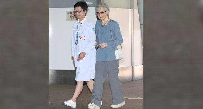 Japan Ex-Empress Undergoes Breast Cancer Surgery