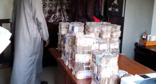 PHOTOS: EFCC Uncovers N65m From INEC Office In Zamfara