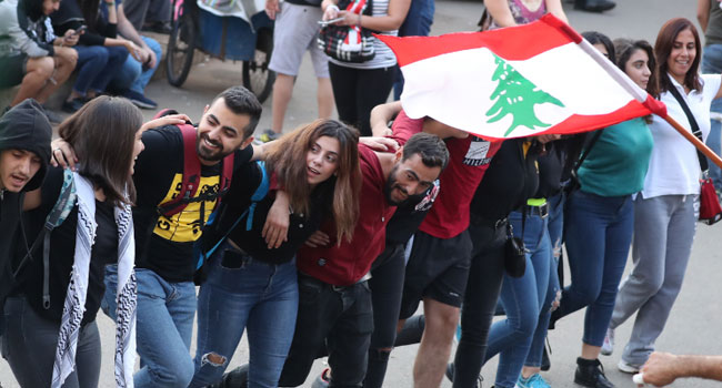 Lebanese Take To The Streets For 10th Day, Defying Hezbollah