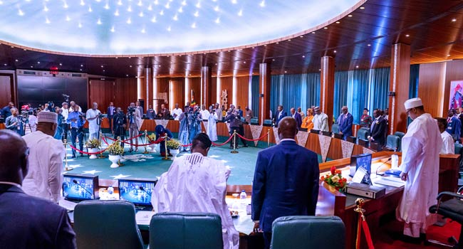 Buhari Presides Over First FEC Meeting After London Trip