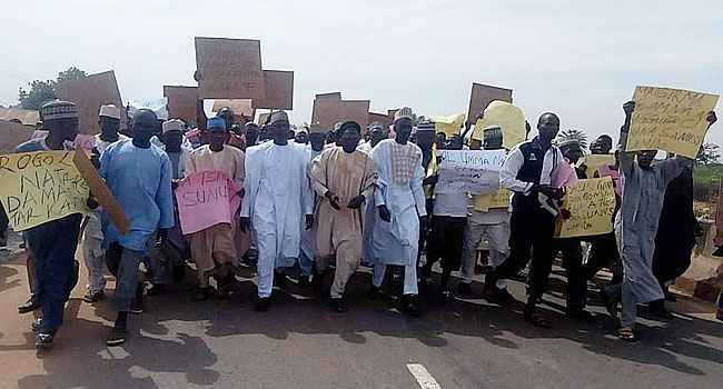 Bichi Residents Protest Over Court's Nullification Of New Kano Emirates