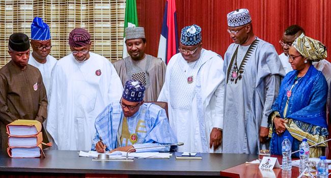 Buhari Signs N10.594trn 2020 Budget