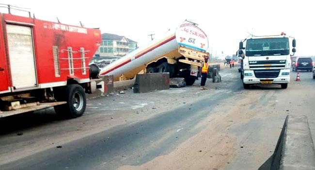 Petrol-Laden Tanker Crashes, Causes Gridlock On Lagos-Ibadan Expressway