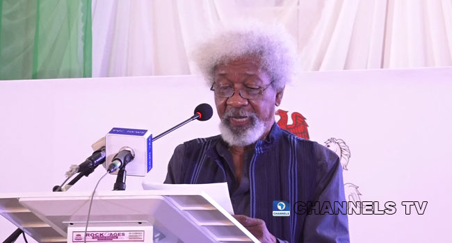 Soyinka Criticizes DSS For Sowore's Re-Arrest