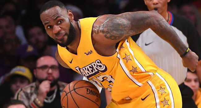 LeBron James Scores 21 As Lakers Snap Losing Streak