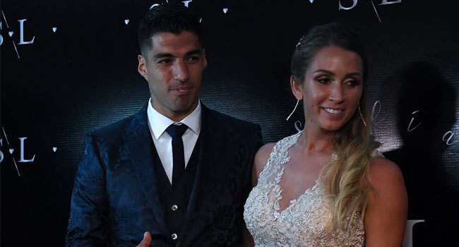 Suarez Renews Wedding Vows, With Messi On Guest List