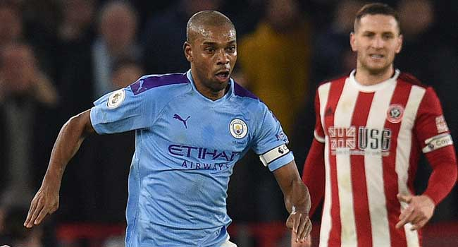 Fernandinho Signs One-Year Contract Extension at Manchester City