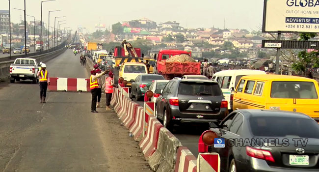Traffic Builds As Repair Works Resumes On Kara Bridge Axis