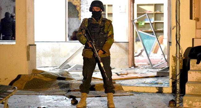 Suicide Bomber Targets Pakistani Mosque, Kills 15