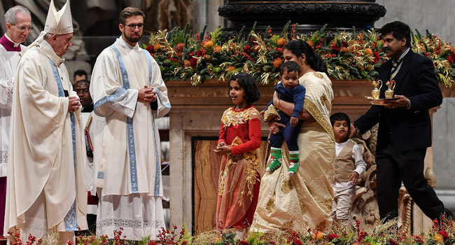 Pope Slaps 'Exuberant Admirer' At Saint Peter's Plaza