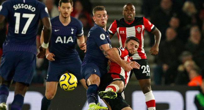 Southampton Edge Tottenham As Kane Limps Off Injured