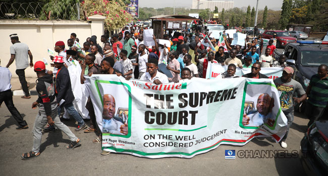 PHOTOS: APC Supporters Ask Supreme Court To Maintain Judgement On Imo Election
