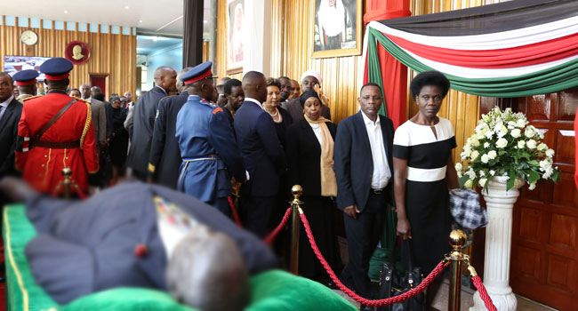 Kenyans Queue To See Body Of Moi, The Country's Longest-Serving Ruler