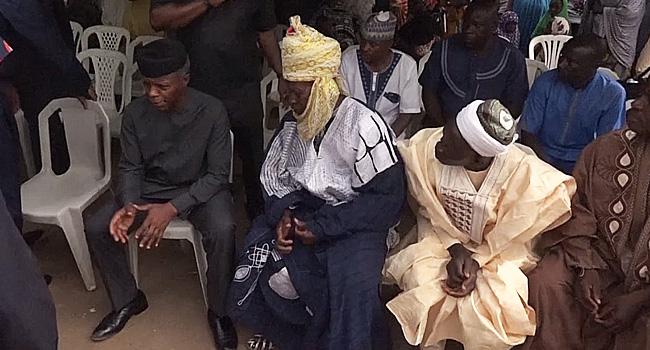 Osinbajo Visits Late Inspector's Family, Pays Condolences