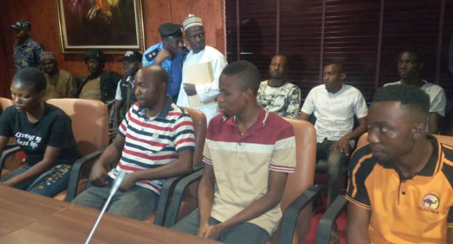 Police Rescue Four NYSC Corps Members And One Other, Recover Two Rifles