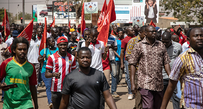 Protesters take part in a demonstration called by the workers unions against the imposition of bonuses for civil servants, in Ouagadougou, on March 7, 2020. OLYMPIA DE MAISMONT / AFP