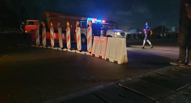 PHOTOS: Police Block Lagos-Ibadan Expressway As Lock Down Order Takes Effect
