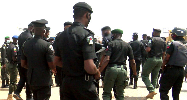 COVID-19 Curfew: Police Relocate Checkpoints In Lagos, Boundaries With Ogun