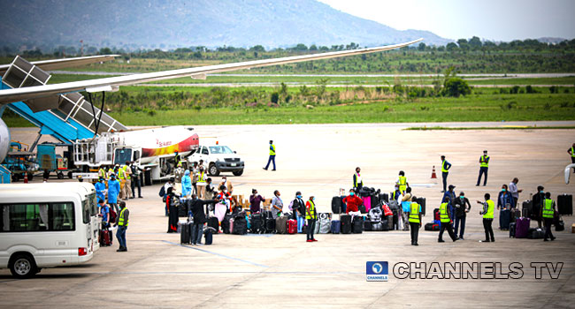 86 Nigerians Arrive Nnamdi Azikiwe Airport From Sudan