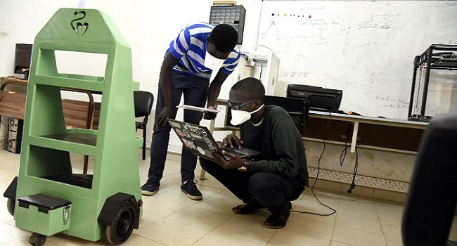 Senegal Engineering Students Fight COVID-19 With Inventions