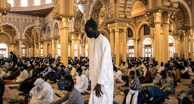 Senegalese Return To Mosques As COVID-19 Restrictions Ease