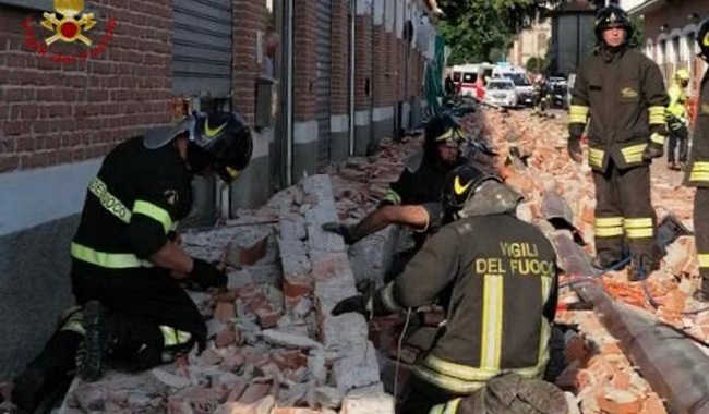 Building Collapse Kills Mother, Two Children In Italy