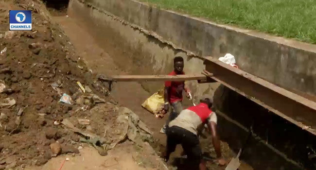 Cross River Govt Inspects Evacuation Of Drainages