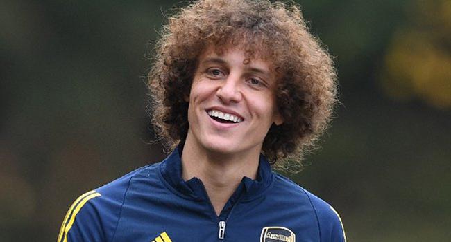 Brazilian Defender David Luiz Signs New Arsenal Contract