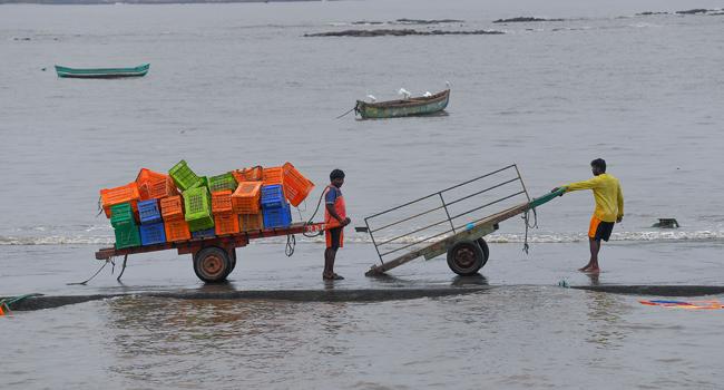 India Evacuates 100,000 From Homes, COVID-19 Hospital Ahead Of Cyclone