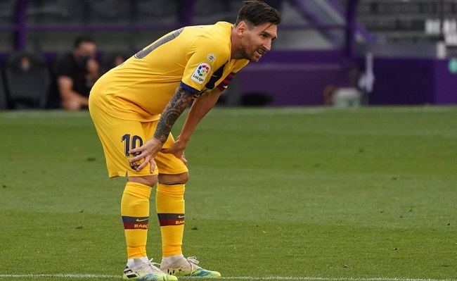 Barcelona's Argentinian forward Lionel Messi bends over during the Spanish league football match between Real Valladolid FC and FC Barcelona at the Jose Zorrilla stadium in Valladolid on July 11, 2020. (Photo by CESAR MANSO / AFP)