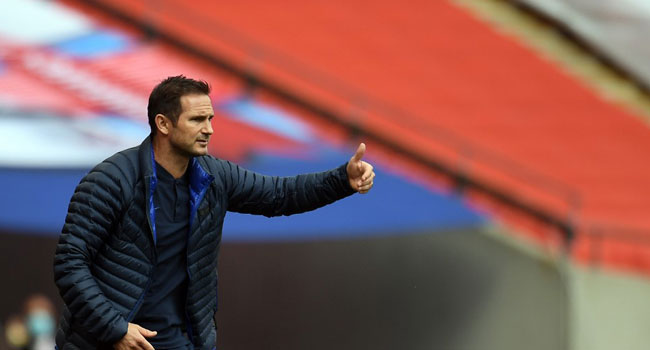 Chelsea's English head coach Frank Lampard gestures during the English FA Cup semi-final football match between Manchester United and Chelsea at Wembley Stadium in London, on July 19, 2020. Andy Rain / POOL / AFP