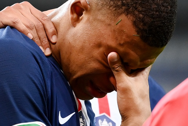 PSG Forward Mbappe Tests Positive For COVID-19