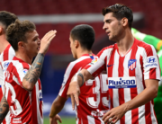 Atletico Madrid's Spanish forward Alvaro Morata (R) celebrates with teammates after scoring a second goal during the Spanish League football match between Atletico Madrid and Mallorca at the Wanda Metropolitan stadium in Madrid on July 3, 2020. PIERRE-PHILIPPE MARCOU / AFP