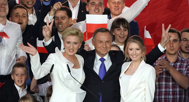 Conservative Polish President Wins Re-election