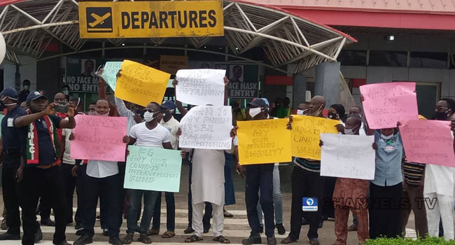 Unions Protest Against Planned Concession Of Four Airports