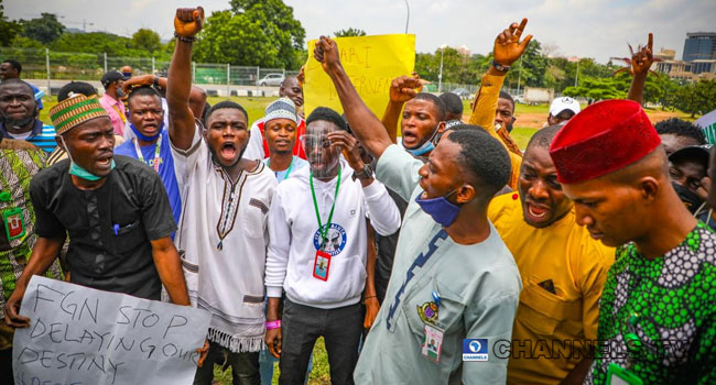 PHOTOS: Students Protest Closure Of Tertiary Institutions