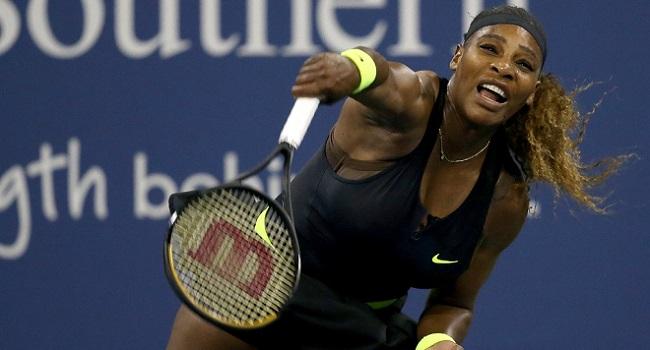 Flustered Serena Williams Crashes Out, Djokovic Reaches Quarter-Finals