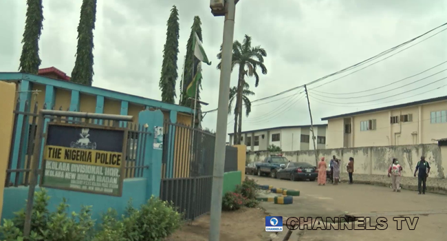 A side-view of the Ikolaba Police Station at New Bodija, Ibadan which was attacked by gunmen on August 22, 2020.