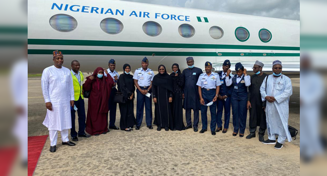 Officials of the Nigerian Airforce pose with First Lady, Aisha Buhari, in this photo released on August 22, 2020.