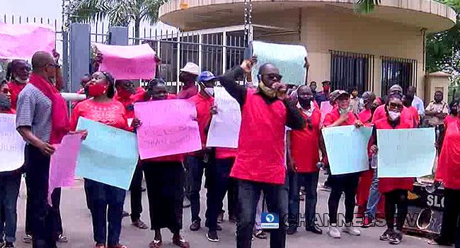 Unpaid Salaries: NUPENG, PENGASSAN Protest, Threaten Nationwide ...