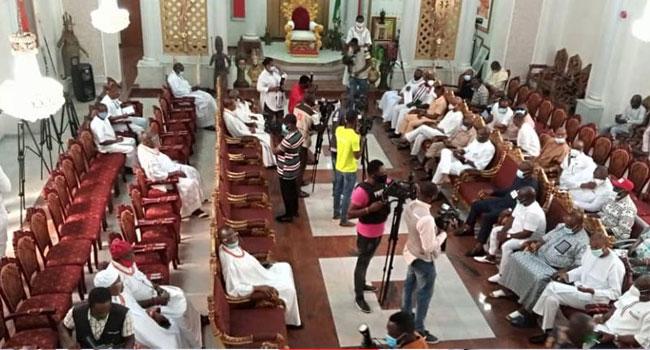 Edo Election: Emulate Ex-President Jonathan, Oba Of Benin Tells PDP, APC Leaders