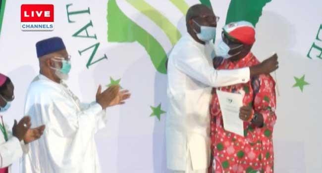 Edo Election: Ize-Iyamu, Obaseki Sign Peace Pact, Embrace Each Other