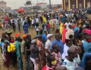 Earlier on at the Emokpae Model Primary School in Oredo Local Govt, security operatives and INEC officials try to organize voters who turned out in their numbers, waiting to vote.