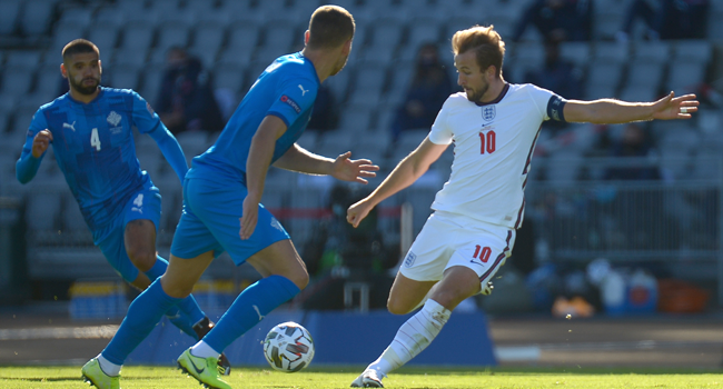 England's forward Harry Kane shoots the ball during the UEFA Nations League football match between Iceland v England on September 5, 2020 in Reykjavik. Haraldur Gudjonsson / AFP