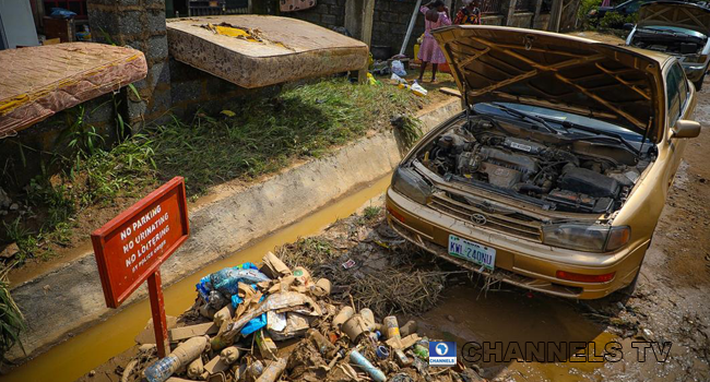 Trademoore Estate, Lugbe, Abuja was flooded after a torrential rainfall on August 26, 2020. Photos: Sodiq Adelakun/ Channels Television
