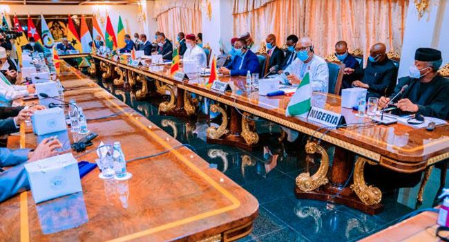Vice President Yemi Osinbajo meets with other ECOWAS leaders in Ghana