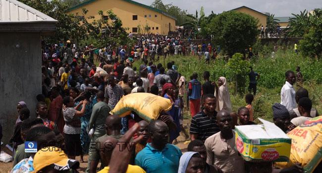 Residents Break Into COVID-19 Warehouse At Gwagwalada, Abuja