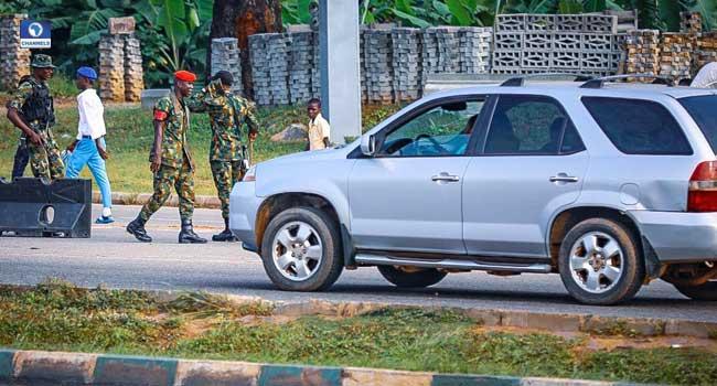 Police attack #EndSARS protesters in Abuja