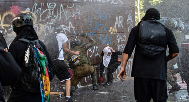 Chile Police Arrest 600 After Protests As Referendum Looms